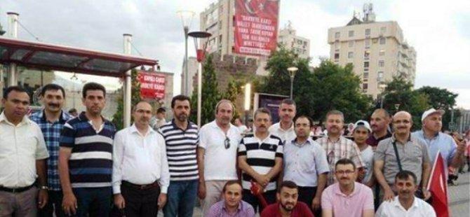 Kayseri'de Öğretmenler Demokrasi Meydanı'nı Terk Etmiyor