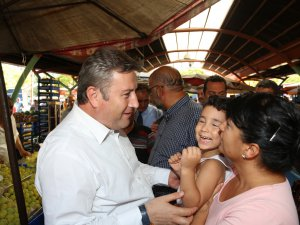 Başkan Palancıoğlu'dan pazar esnafına ziyaret