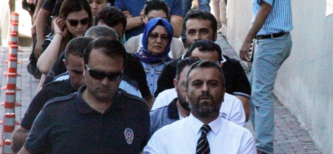 Kayseri'de FETÖ/PDY operasyonunda 17 avukat adliyeye çıkarıldı