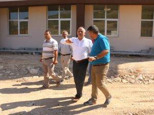 Yahyalı Meslek Yüksek Okulu'nun çevre düzenlemesi başladı