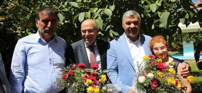 Büyükşehir Belediye Başkanı Çelik, Kızık Mahallesi'ni ziyaret etti