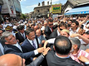 CUMHURBAŞKANI GÜL'ÜN GELİŞİ KAYSERİ'Yİ SALLADI