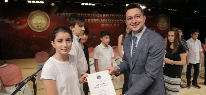 Kayseri'de Konservatuar öğrencileri sertifikalarını aldı