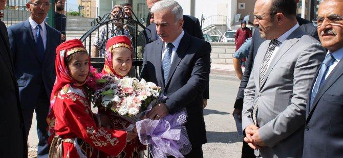 Kayseri'de ilk ders zili 17 bin öğrenci için çaldı