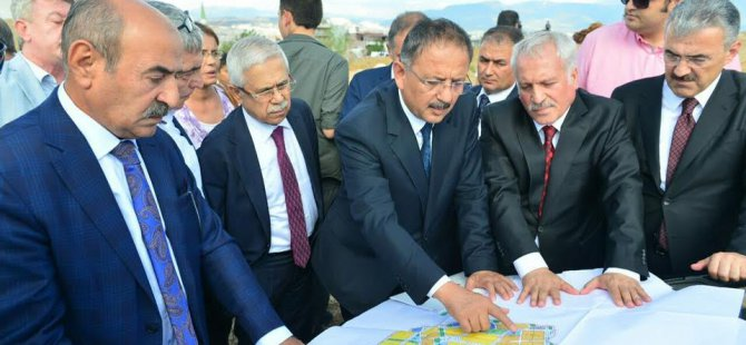 BAKAN ÖZHASEKİ İZMİR'DE