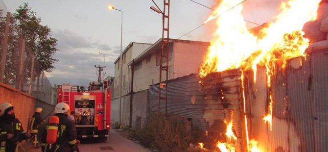 Kayseri'de Villada ve hurdalıkta yangın çıktı