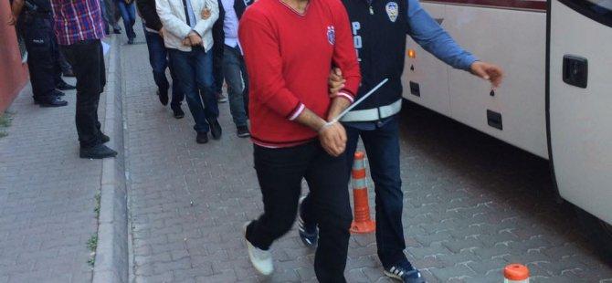 Kayseri'de FETÖ/PDY'den gözaltına alınan 24 kişi adliyeye sevk edildi