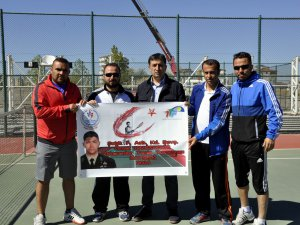 Şehit Ömer Halisdemir Tenis turnuvası tamamlandı