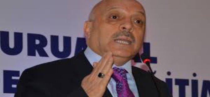 Mahmut Arslan'ın yakasına yapışmışlar...