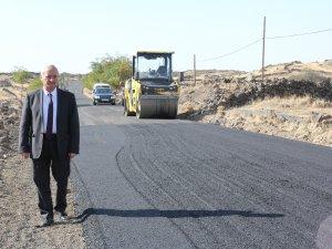 İncesu Belediyesi sıcak asfalt çalışmalarına devam ediyor