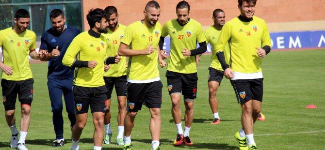 Kayserispor Futbol Şube Sorumlusu Yıldız: taraftara seslendi