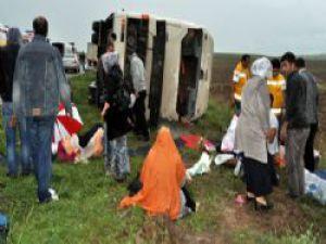 Afyonkarahisar'da Tur Otobüsü Devrildi: 1 Ölü, 40 Yaralı