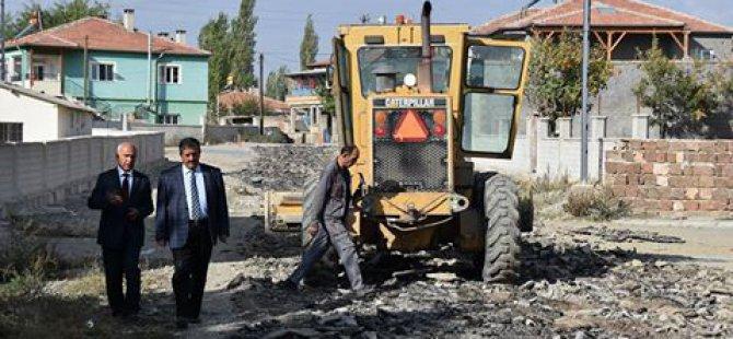 Tomarza Belediyesi asfaltlama çalışmalarını hız kesmeden sürdürüyor