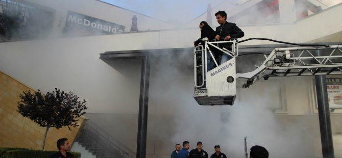 Forum Kayseri'de gerçeği aratmayan yangın tatbikatı