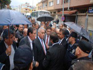 Reyhanlı'da CHP'li Vekillerle Polis Arasında Gerginlik