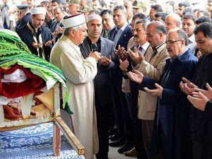 Reyhanlı'da Cenazeler Toprağa Veriliyor: