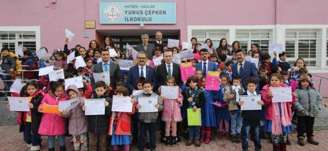 Kayseri'de 291 bin 921 öğrenci karne heyecanı yaşadı