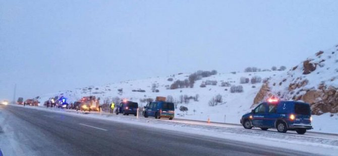 Kayseri'de yolcu otobüsü  şarampole devrildi: 21 yaralı