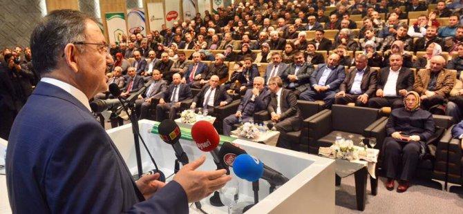 Bakan Özhaseki Kayseri Şeker çiftçilerine seslendi