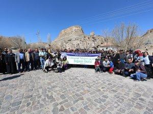 Abdülkadir Akdeniz, katılımcılara Soğanlı hakkında bilgiler verdi