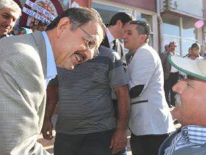 Kayseri Büyükşehir Belediyesi İlçelerin Hizmetlerini Üstleniyor
