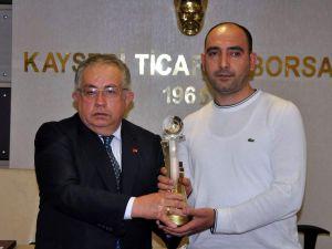 KAYSERİ TİCARET BORSASI'NDAN ÜYELERE PLAKET