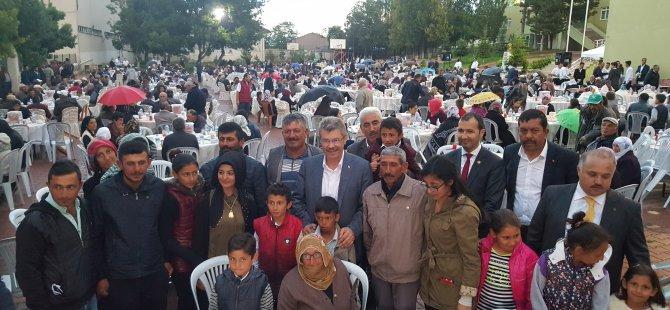 Yenifakılı'da Bin 300 kişinin ağırlandığı iftar sofrası