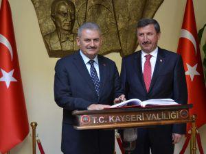 ULAŞTIRMA BAKANI BİNALİ YILDIRIM, VALİ YILMAZ'I ZİYARET ETTİ