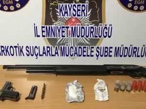 Kayseri polisi uyuşturucu tacirlerine göz açtırmıyor