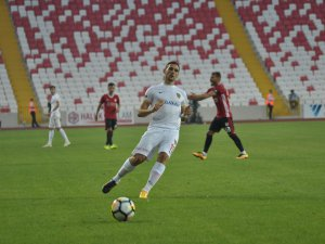 Kayserispor'un Yeni Transferi Nikola Stojiljkovic'in golü bulması 2 dakika sürdü