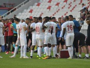 Kayserispor, bu sezon sahaya çıktığı 4 maçta 6 kez gol sevinci yaşadı
