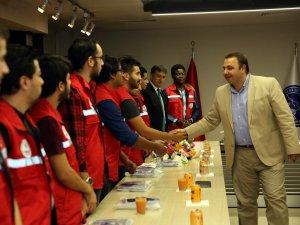 Damla Projesi gençleri Büyükşehir Başkan Vekili Halil Büyüknalbant ile görüştü