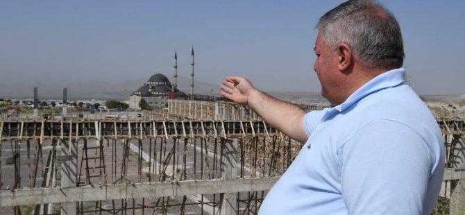 Nursaçan Fuar Kongre Merkezi ve Yeni Camii projelerini yerinde inceledi