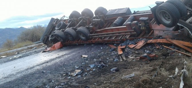 İncesu'da Lahana yüklü kamyon devrildi: 1 yaralı