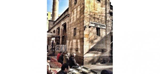 Kayseri'de Hutbede 'Kara Cuma' tepkisi