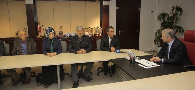 Başkan Çelik, AK Parti Pınarbaşı ve Akkışla İlçe Yönetim Kurulu Üyeleri ile bir araya geldi