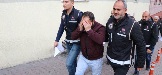 Kaçak sigara operasyonunda 4 kişi gözaltına alındı