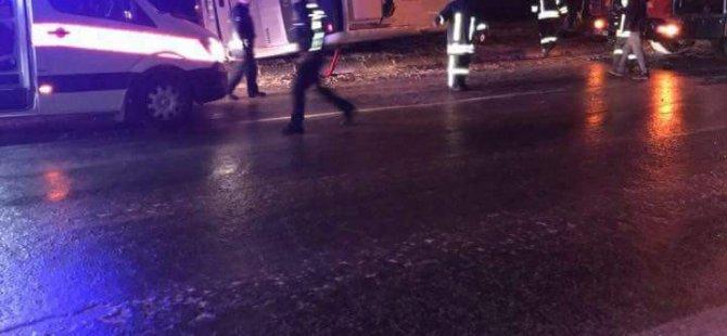 Anbar'da İşçileri taşıyan midibüs devrildi: 7 yaralı