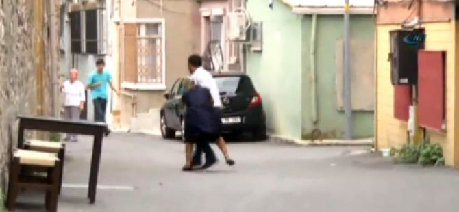 Hamile eşini yol ortasında dövdü saçlarından sürükledi-video