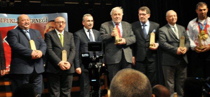 Faruk Yaman ve Kütüphanesi'ne kültür ödülü
