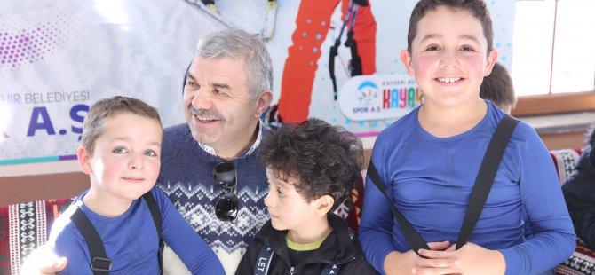 Kayseri Büyükşehir öğrencileri kayak eğitimine alacak