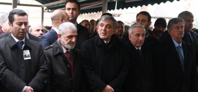 ABDULLAH GÜL'Ü KAYSERİ'DE CENAZEDE YANLIZ BIRAKTILAR
