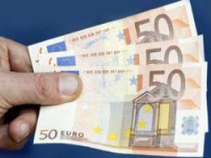 Gökten Para Yağdı! Polis Paraları Geri İstedi