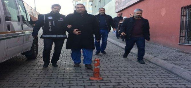 Kayseri'de Bylock operasyonunda 2 kişi gözaltına alındı