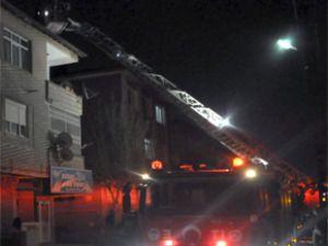 Kayseri'de 3 katlı binada yangın çıktı