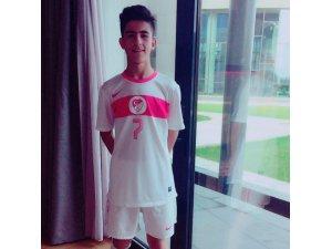 Gol Makinesi Mehmet Eray Özbek oynadığı futbolla göz dolduruyor