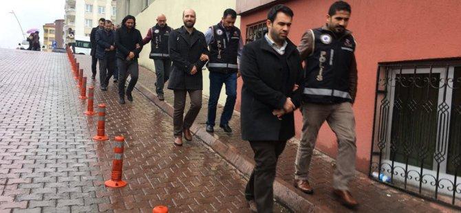 Kayseri'de FETÖ'den gözaltına alınan 5 avukat adliyeye sevk edildi