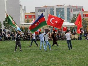 Uluslararası Şehit Ömer Halisdemir Anadolu İmam Hatip Lisesi'nde bahar coşkusu