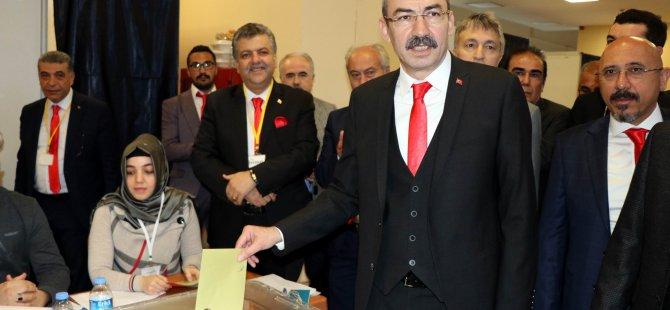 Kayseri Ticaret Odası Başkanlığı'na Ömer Gülsoy seçildi