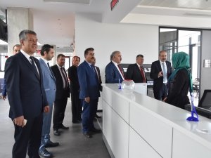 Başkan Gülsoy'dan Oda Personeline Ziyaret